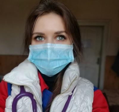 Лікарка швидкої з Чернівців, яка повторно захворіла коронавірусом, вдруге одужала