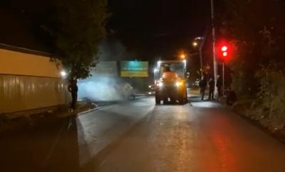Капремонт вулиці Кармелюка: почали стелити нижній шар асфальту