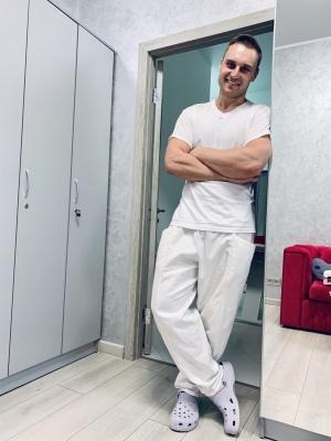 Масажист Юрій Решетник розповів, кому необхідно записатися на масаж і яким насправді має бути результат від сеансів!*