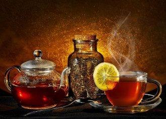 Експерт назвала вбивчу небезпеку чаю з цукром