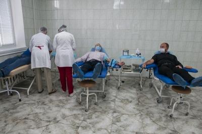 Депутати показали гарний приклад містянам – здали кров*