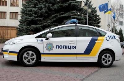У Чернівецькій області поліцейський на службовому авто збив велосипедиста