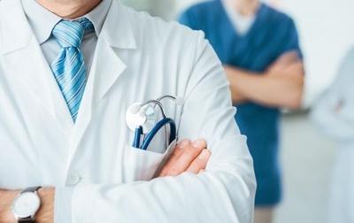 У регіонах звільнять відповідальних за затримку доплат медикам