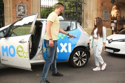 Таксі майбутнього уже у Чернівцях! Перша екологічна служба таксі «MOEcoTAXI» вражає буковинців своїм сервісом!*