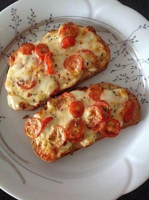Гарячі бутерброди: рецепти простого і ситного сніданку