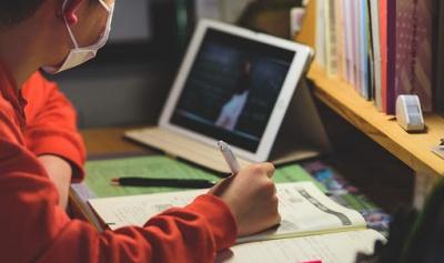 У Чернівцях частина шкіл пішла на канікули, частина — на дистанційне навчання