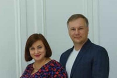 Дружина кандидата в мери Чернівців від «Слуги народу» йде на керівну посаду в податковій
