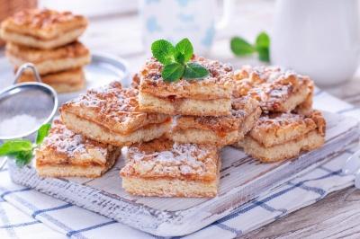 Ароматний пиріг з варенням: як приготувати неймовірну випічку