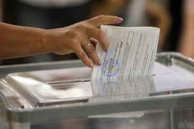Фотографування бюлетенів: поліція перевіряє інформацію про порушення на виборах у Чернівцях