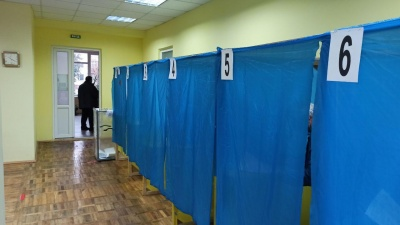 У Чернівцях депутата звинуватили у перешкоджанні проведенню екзит-полу