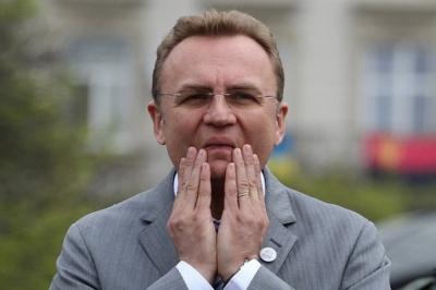 Мер Львова не зміг проголосувати. Взяв не той паспорт