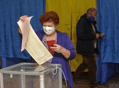 Хто на крісло мера: стали відомі попередні результати виборів голів ОТГ на Буковині