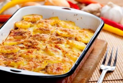 Апетитна картопля в духовці: як приготувати ситну страву