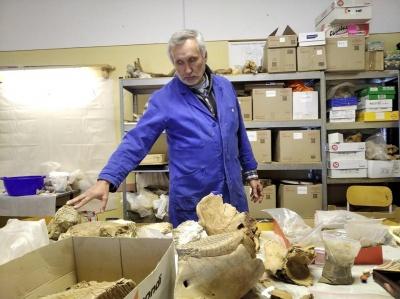«Находки расскажут даже о будущем»: ученый из Черновцов исследует пещеры и берега рек