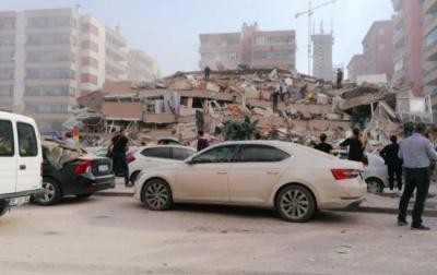 У Туреччині стався потужний землетрус. У місті Ізмір десятки будинків зруйновано