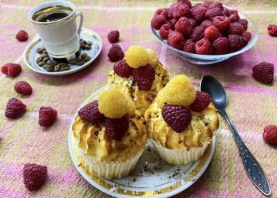 Ніжно-ароматні сирні кекси: як приготувати смачну випічку