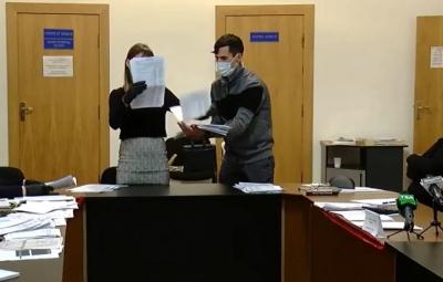 Перерахунок голосів у Чернівцях: заміна голови і двох членів не вирішила проблеми із кворумом