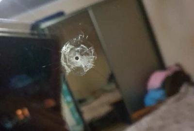 На Буковині невідомий вистрілив у вікно приватного будинку