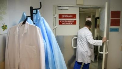 «Схаменіться вже, місць у реанімації нема!»: лікар з Чернівців емоційно звернувся до буковинців