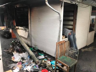 Назвали попередню причину нічної пожежі на ринку «Буковинський»