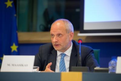 Посол ЄС: безвіз та фіндопомога Україні залежить від боротьби з корупцією