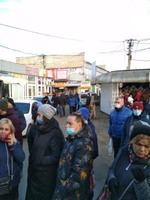 У Чернівцях підприємці «Калинки» збираються на пікет через «карантин вихідного дня» – фото