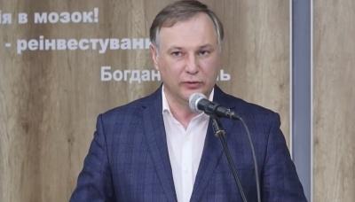 «Слуга народу» з Чернівців опинився у топ-10 кандидатів у мери за витратами на рекламу у Facebook