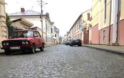 У центрі Чернівців відновили рух вулицею Бетховена – фото