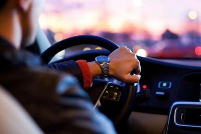 В Україні почали діяти оновлені правила дорожнього руху: що потрібно знати