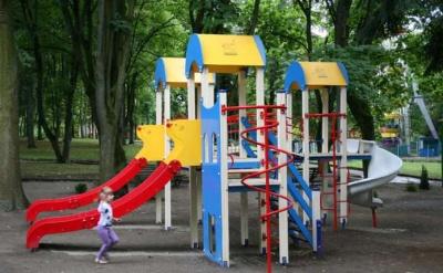 Дитячі майданчики та зупинка-сквер: які проєкти перемогли у Бюджеті участі Чернівців