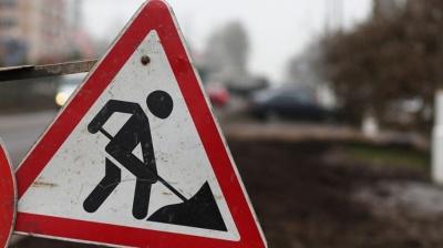 У горах Буковини відновлюють дорогу, яка стала непрохідною