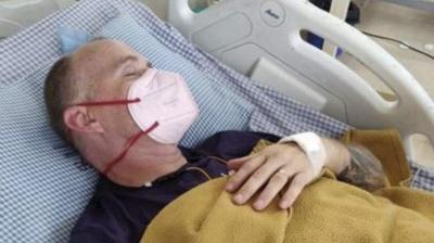 Чоловік за одну поїздку в Індію підхопив коронавірус, малярію, лихоманку денге і укус кобри