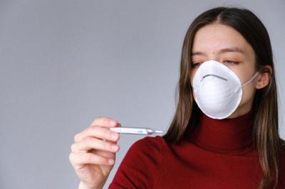 Температура при коронавірусі: як розпізнати інфекцію і що робити