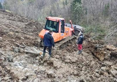 На Буковині ремонт дороги, яку знищив паводок, завершать в грудні