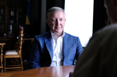 Скільки радників має голова Чернівецької ОДА, і хто з них на зарплаті