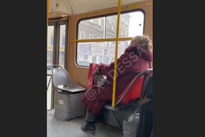 В одеському трамваї стався мовний скандал: не всі пасажири хотіли слухати українську мову