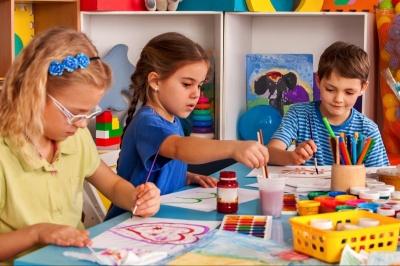 Де діти можуть проводити час з користю у Чернівцях, поки батьки на роботі?*
