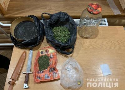 Головному «наркоділку» з Буковини загрожує до 10 років в'язниці