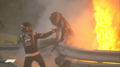 Формула-1. Гран-прі Бахрейну зупинили через жахливу аварію та вибух боліда - відео