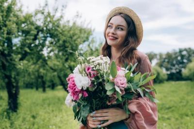 Значення імені Людмила: характер, доля, сумісність з іншими іменами
