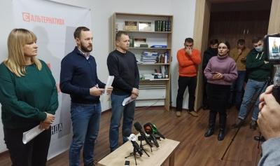 Старі депутати хочуть закласти нам «міни, – «ЄА» про «шкурняки» і «дерибан» у Чернівецькій міськраді