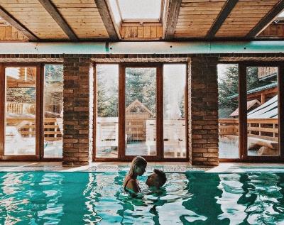 Спа, чан, термальні води або усамітнення на природі: який варіант зимового відпочинку оберете ви?*