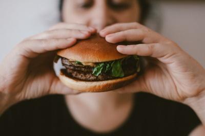Ці помилки у харчуванні можуть значно погіршити стан вашого здоров'я