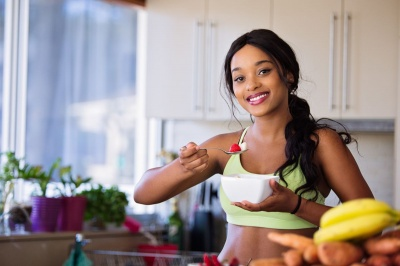 """Вони """"дарують"""" гормон щастя: найефективніші продукти для поліпшення настрою"""