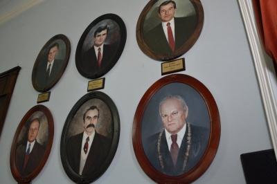 Продан хоче повісити портрет Каспрука на стіні в Чернівецькій міськраді