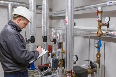 Торговому агенту - 20 тисяч, енергетику - 15 тисяч: кого шукають роботодавці на Буковині