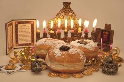 Сьогодні починається Ханука, що триватиме 8 днів: як це свято відзначатимуть у Чернівцях