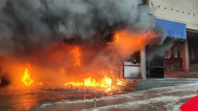 У центрі Києва сталася масштабна пожежа в ресторані