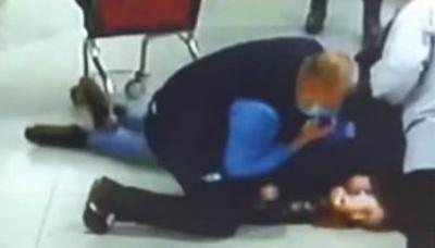 У супермаркеті охоронці врятували дівчину, в якої раптово зупинилося серце – відео
