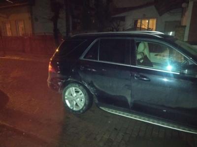 Нічна ДТП у Чернівцях: водій не пригальмував і врізався в автівку просто на перехресті